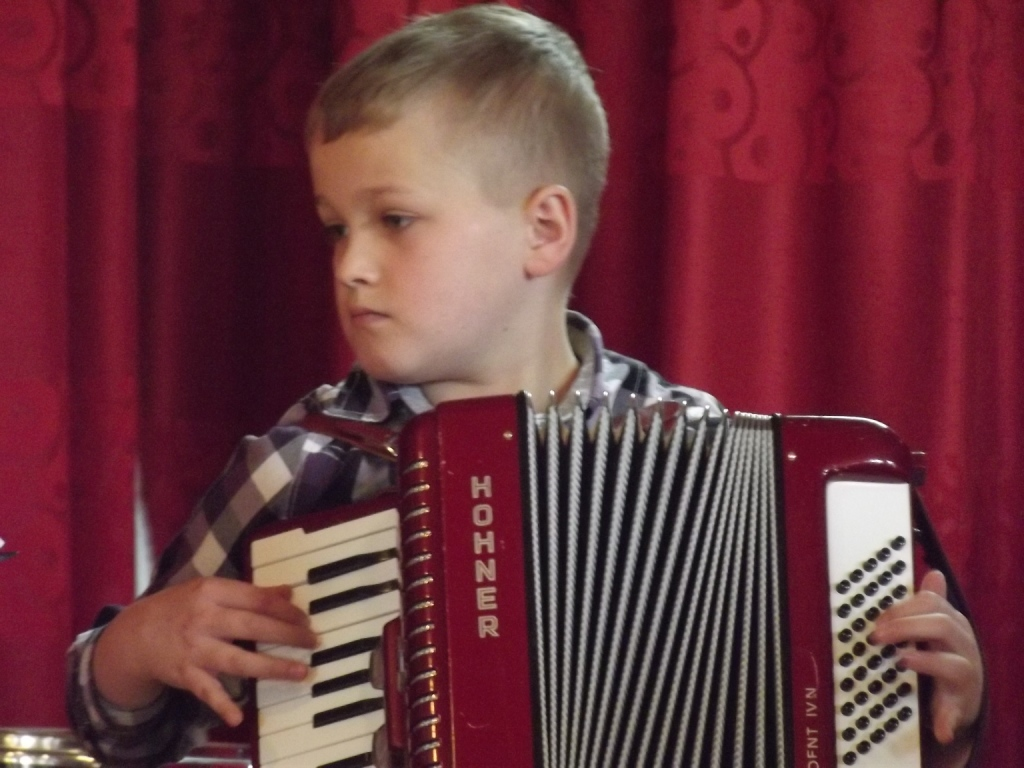 Prezentacja muzyczna w wykonaniu uczniów z Rajbrotu