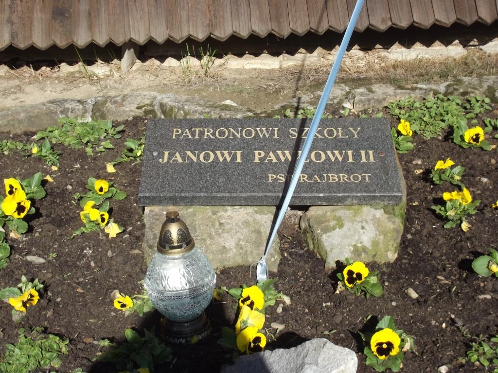 Przedszkolaki pamiętają o Papieżu Janie Pawle II