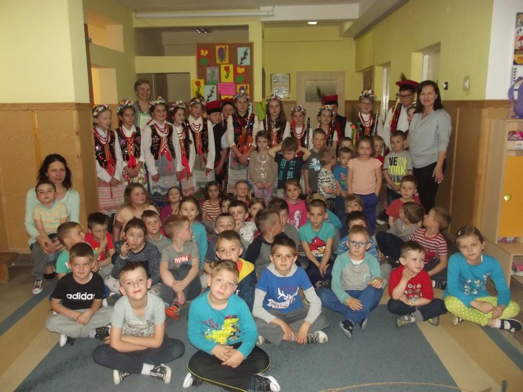 Odwiedziny uczniów ze szkoły podstawowej