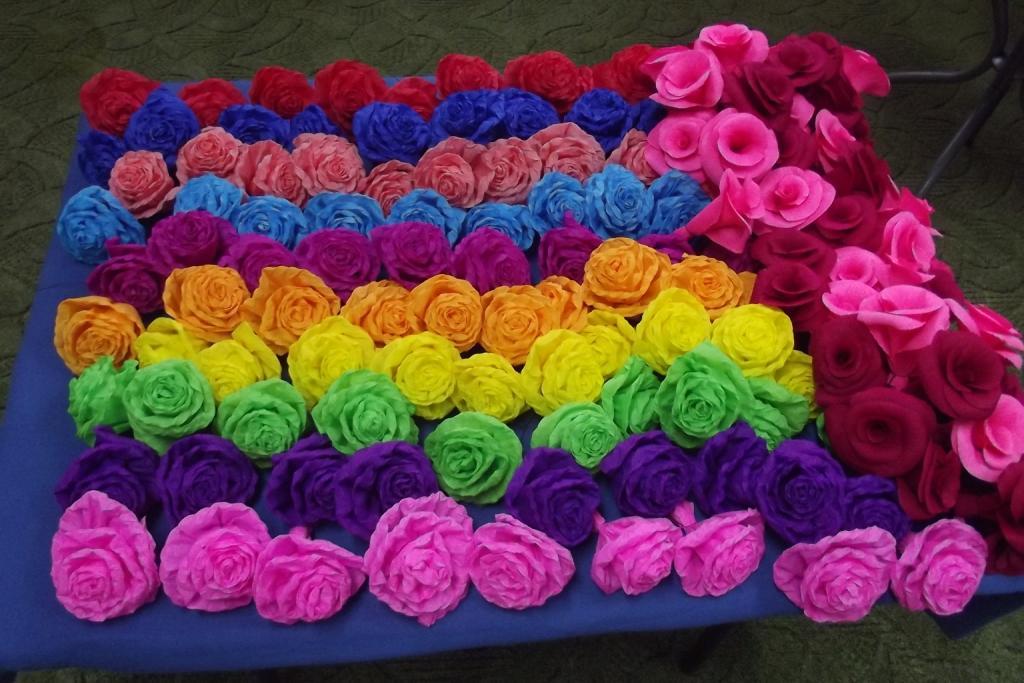 Jak zrobić kwiaty z bibuły?